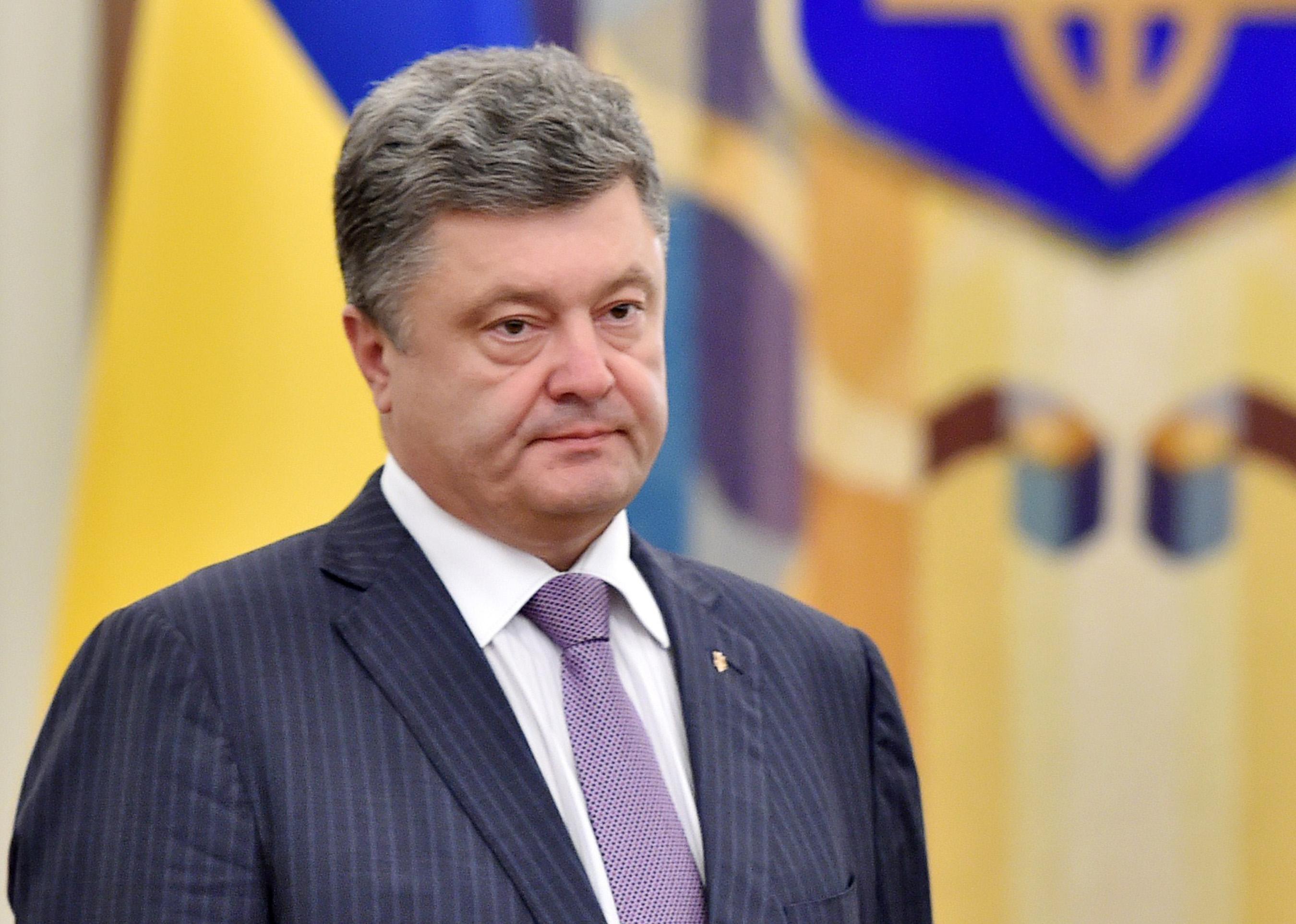Порошенко назвал ужасную цифру погибших на Донбассе воинов