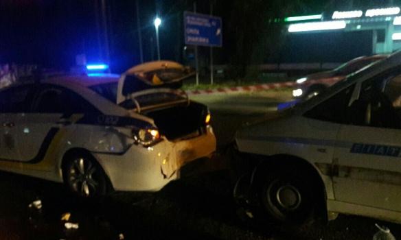 Нетрезвый водитель в Киеве сбил полицейских, один человек в тяжелом состоянии