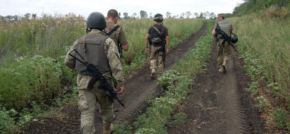 Сутки в зоне АТО прошли без потерь среди украинских военных, есть раненые — Лысенко