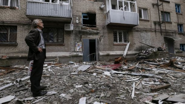 Террористы почти целый день обстреливают жилые кварталы Авдеевки