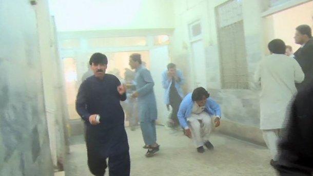 Теракт в пакистанской больнице: погибли по меньшей мере 25 человек
