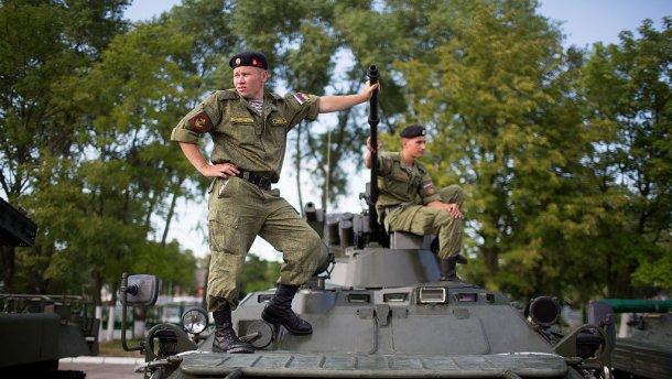 Россия усиленно перебрасывает военных на Донбасс