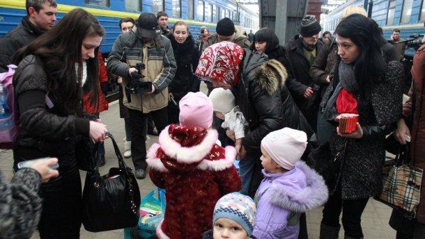 В правительстве назвали точное количество переселенцев с Донбасса и Крыма
