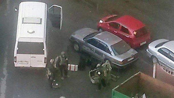 Стрельба и взрывы в Петербурге: ФСБ проводит спецоперацию