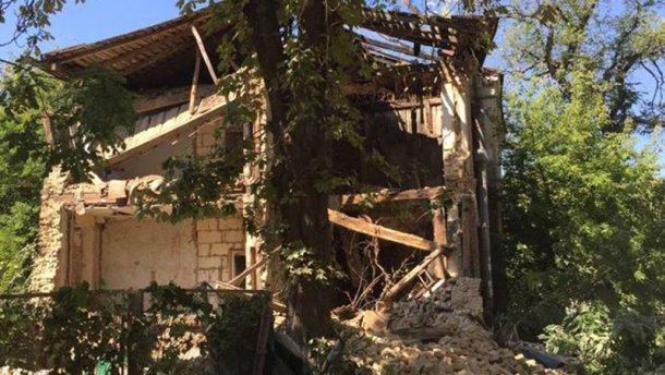 В Киеве обвалился дом (ФОТО)