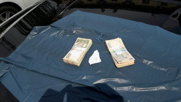 На гигантской взятке поймали николаевского налоговика