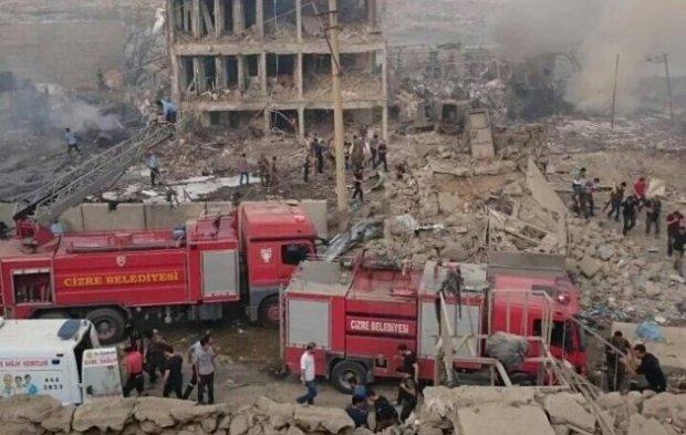 Мощный взрыв в Турции: много погибших и пострадавших