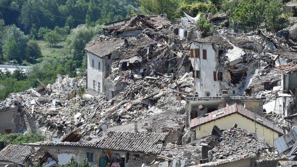 Землетрясение в Италии: восьмилетняя девочка ценой жизни спасла младшую сестру