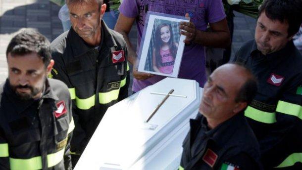 Землетрясение в Италии: трогательное письмо написал спасатель девочке, которая погибла