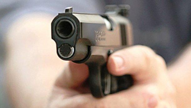 Родной дядя подстрелил племянника в Житомирской области