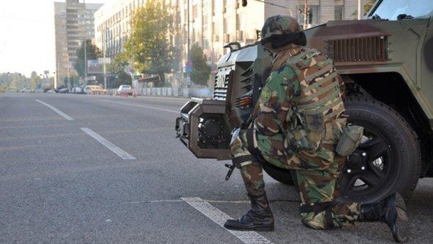 В Киеве были слышны выстрелы и взрывы: появились фото, видео