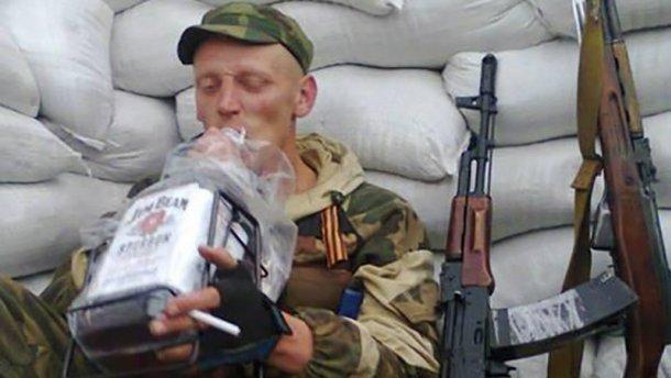 Террористов на Донбассе поощряют литрами спирта