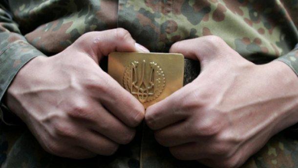 Солдат застрелил сослуживца, когда тот спал