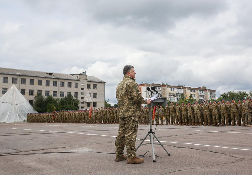 Война на Донбассе унесла жизни 415 десантников