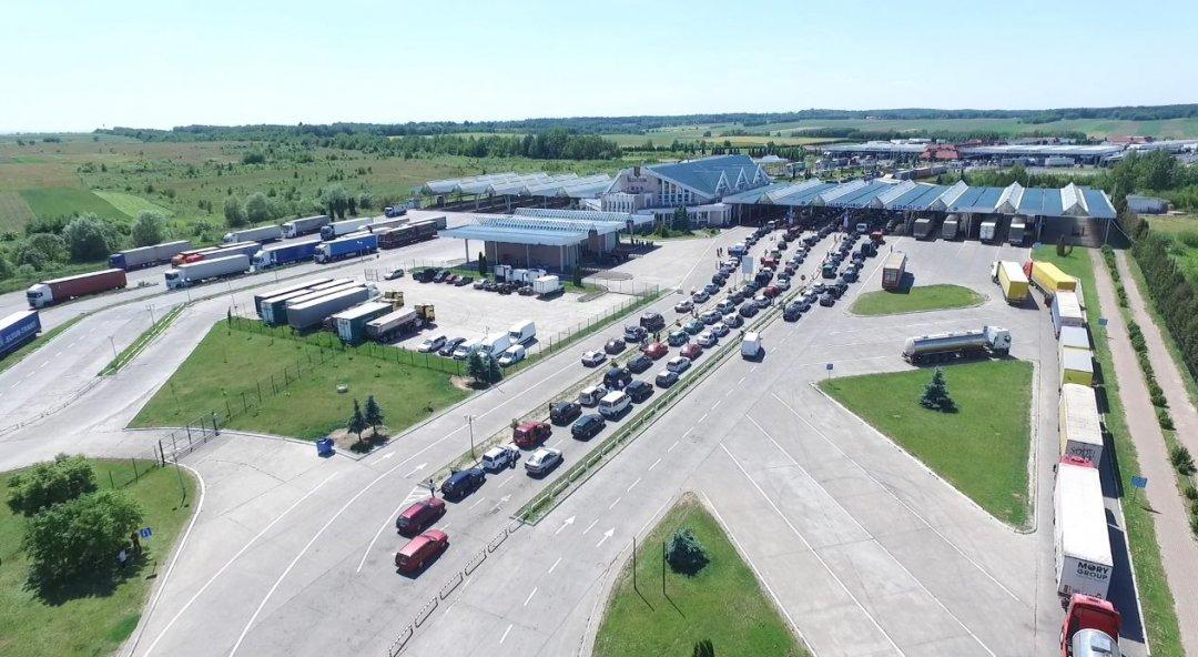 На границе с Польшей застряли более 1000 авто