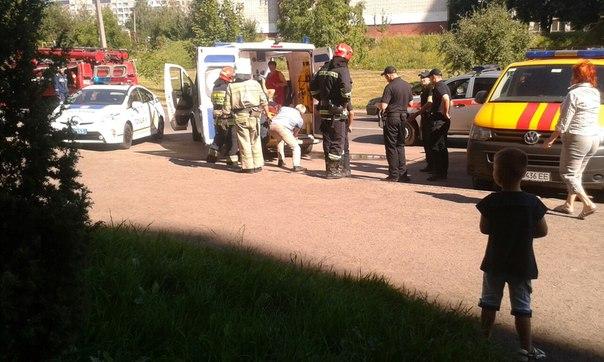 «Назад в девяностые»: Во Львове мужчина подорвался на взрывчатке у собственного дома (фото)