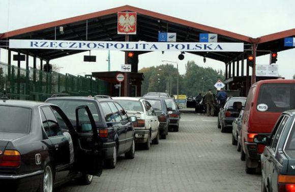 На границе с Польшей застряло более  полторы тысячи автомобилей