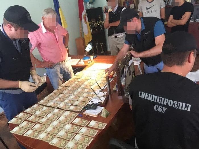В Одессе на взятке попался руководитель военного лицея