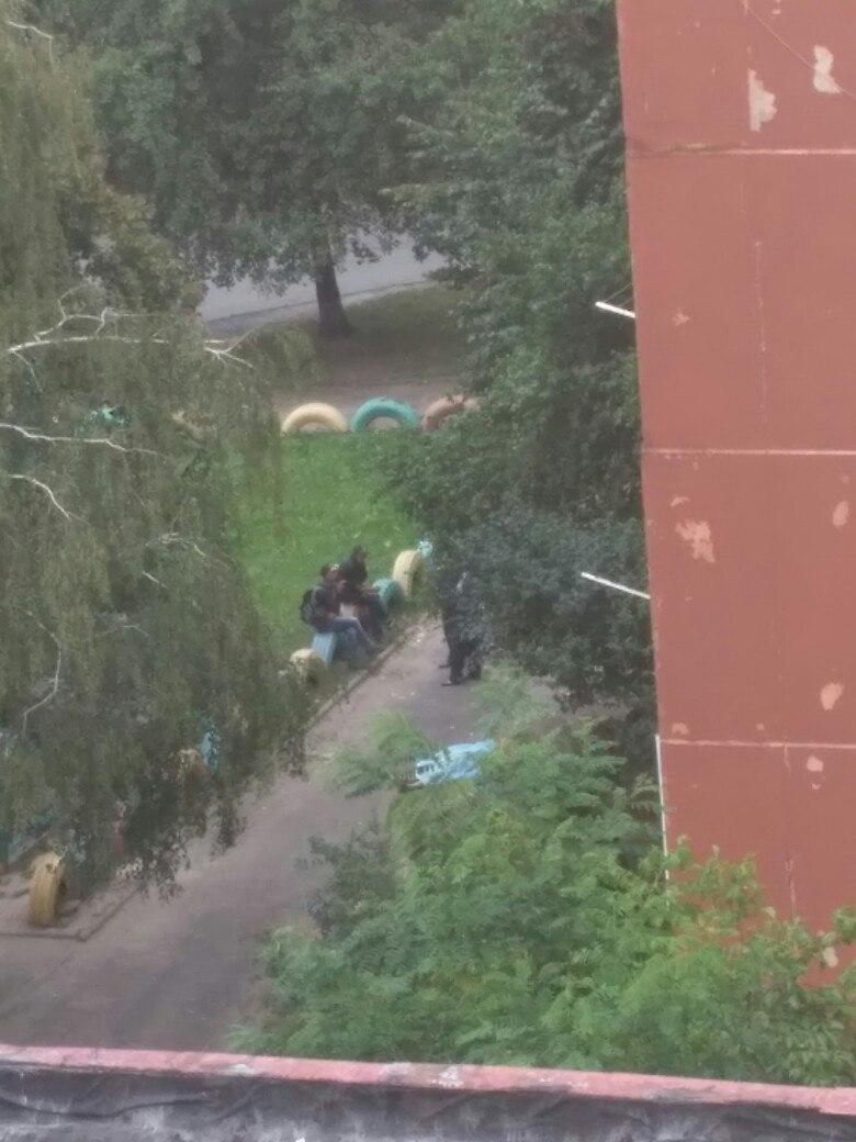 Во Львове посреди улицы нашли труп мужчины (ФОТО)