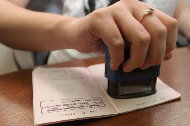 Штампа о браке не будет: Рада утвердила новые паспорта