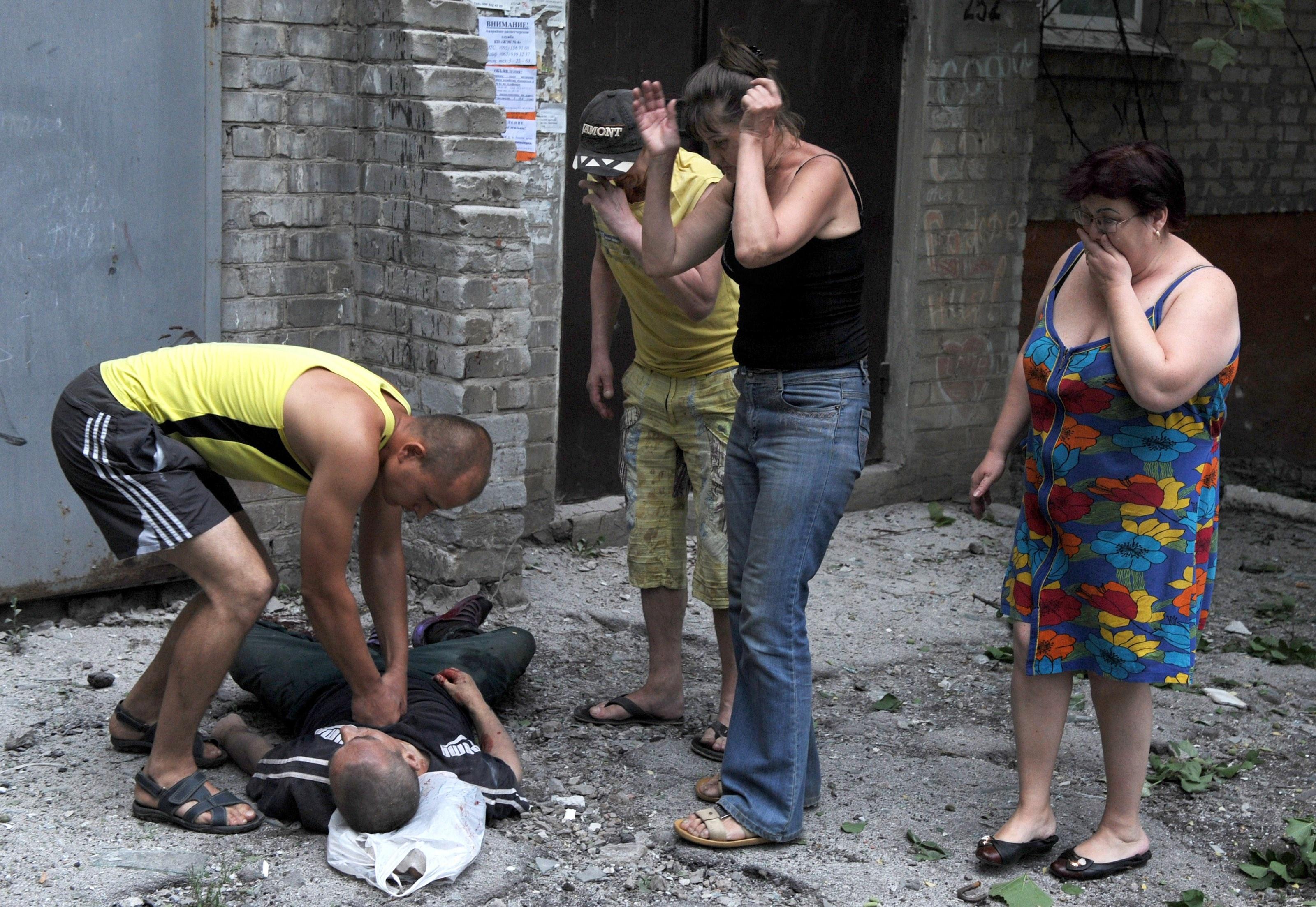 Боевики выгнали мирных жителей и разграбили их дома