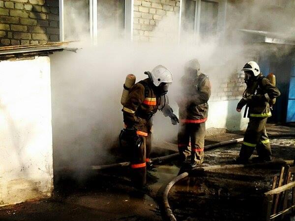 В подвале горящей многоэтажки нашли тело мужчины