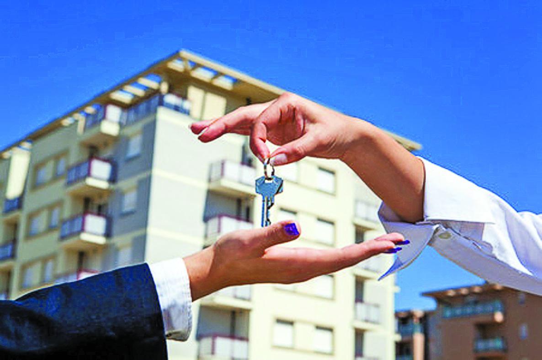 С вещами на выход: должники могут остаться без жилья