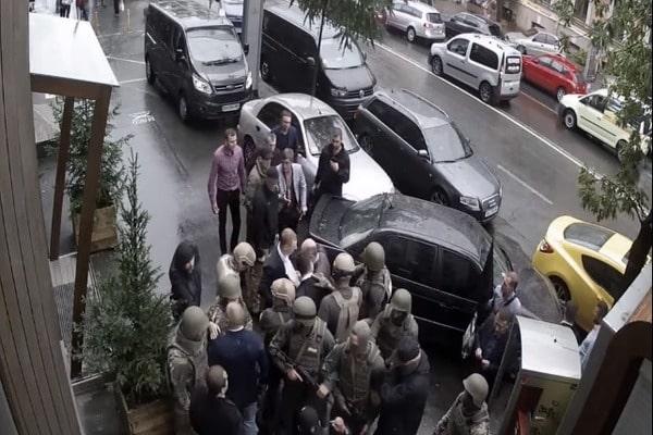 В сети опубликовали видео столкновений сотрудников ГПУ и НАБУ