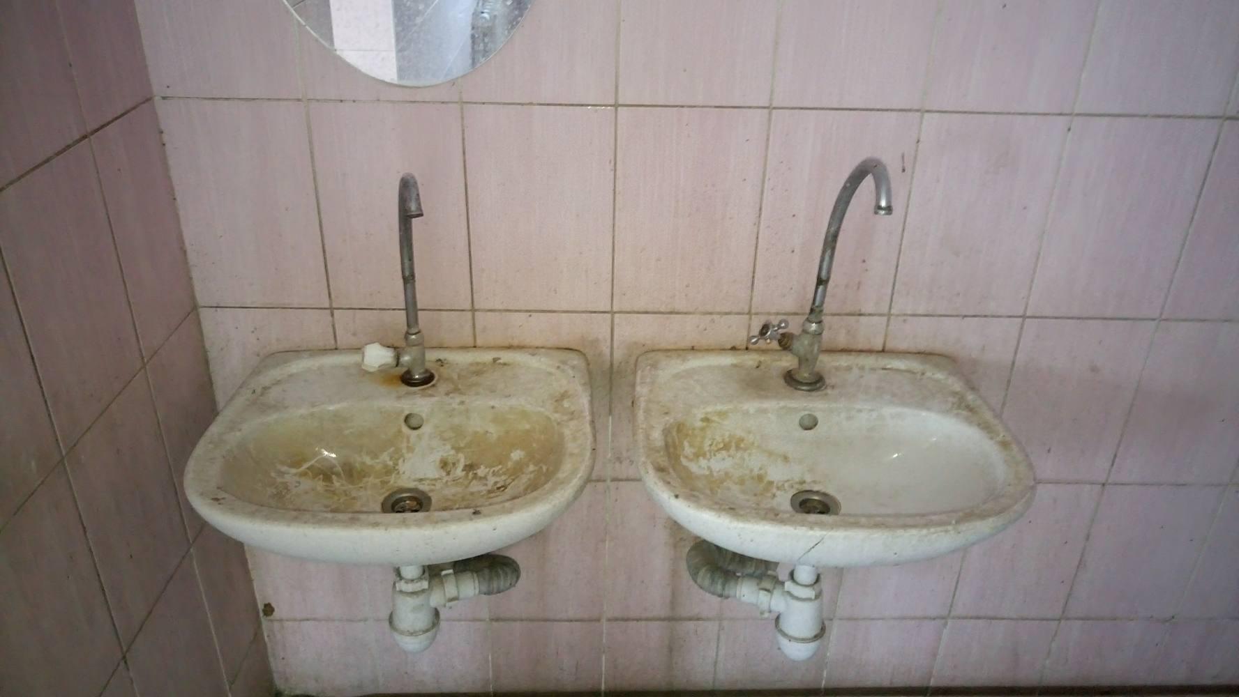 Львовские медики показали ужасные условия, в которых им приходится работать (Фото)