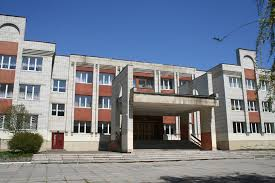 Во Львове чуть не взорвали школу