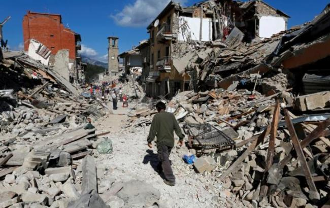 Число жертв землетрясения в Италии возросло до 281 человека