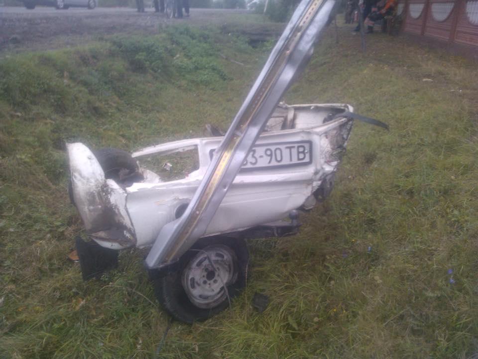 На Львовщине произошла авария: машины разлетелись на куски
