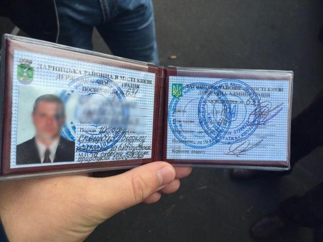 Два инспектора Дарницкой РГА задержаны за вымогательство