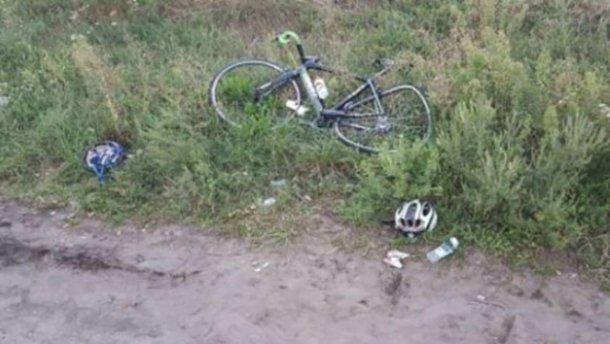 Появилось видео с ужасного ДТП с велосипедистами под Киевом (+18)