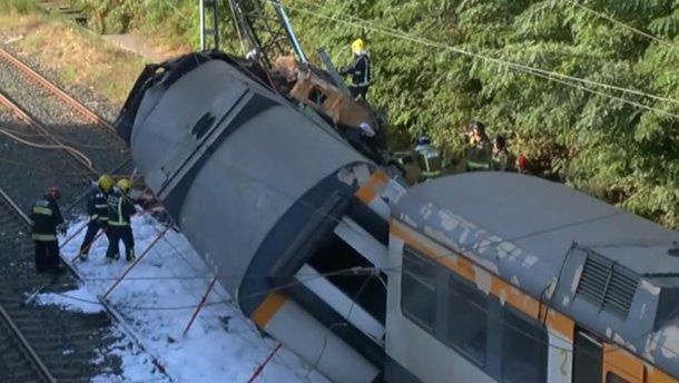 В Испании поезд сошел с рельсов – погибли 4 человека