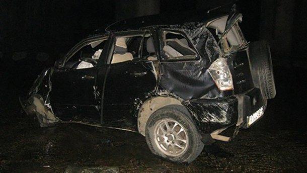 Авто упало с моста в реку в Ивано-Франковской области: есть жертвы