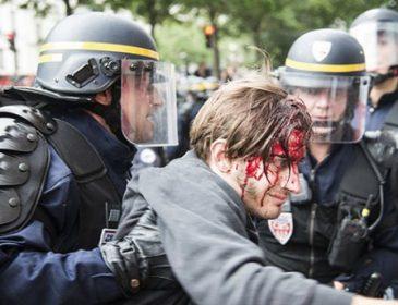 Появились фото с протестов во Франции, где ранили и задержали десятки людей