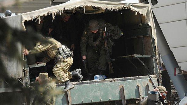 На Донбассе боевики снова дерут деньги с бизнесменов на «таможнях»