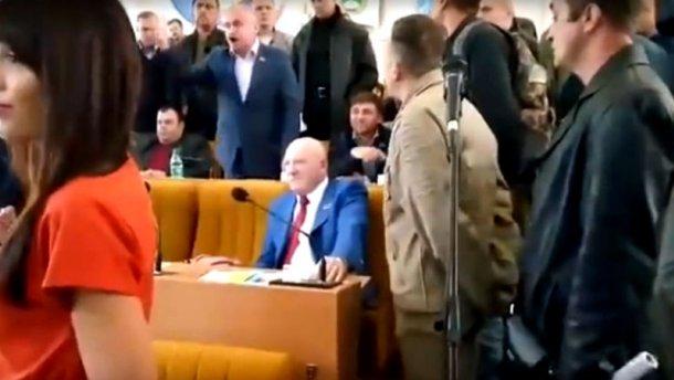 АТОшникы подрались с депутатами Опоблока в Николаеве