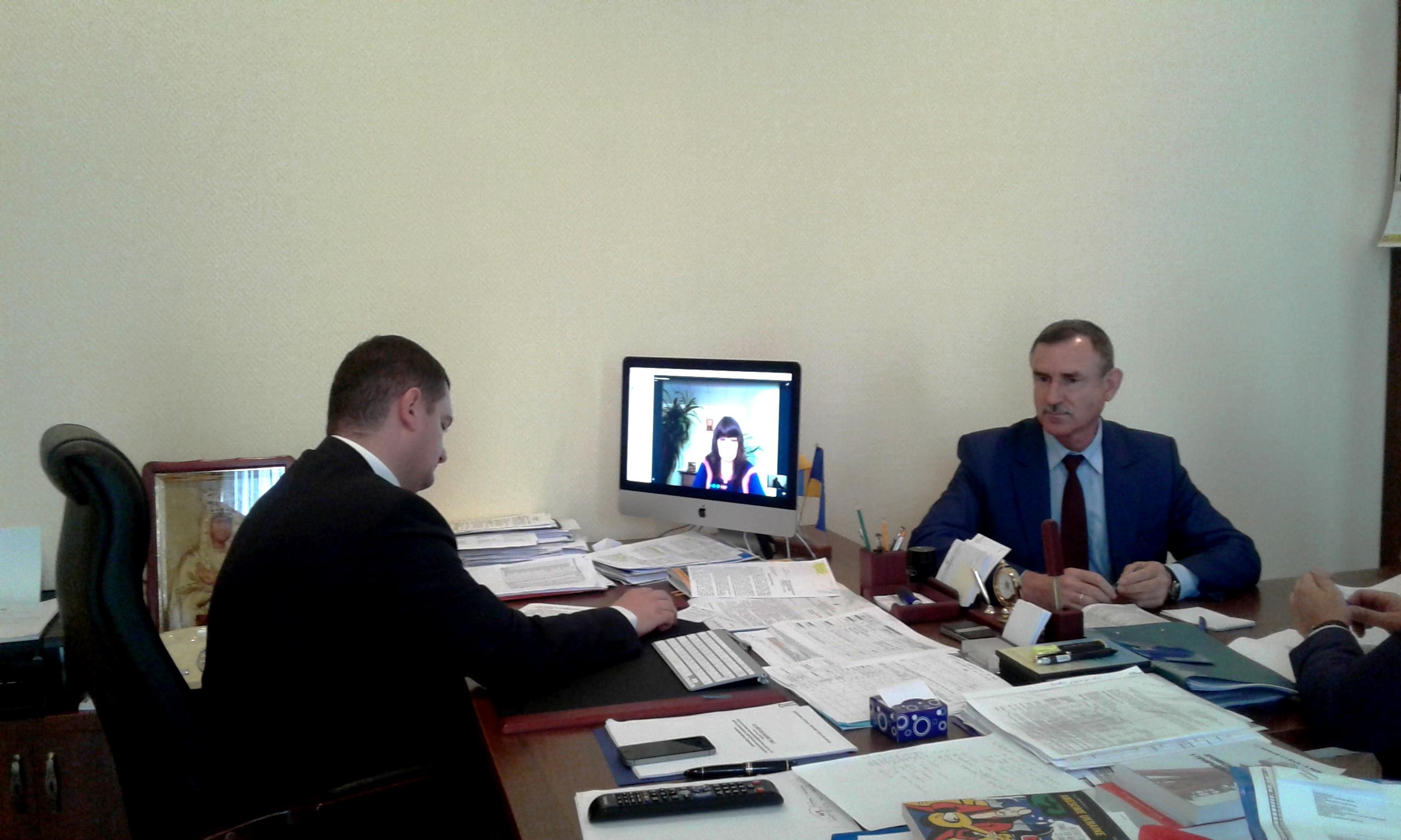 В Днепре инспектора Гоструда поймали на взятке в 196 тысяч грн