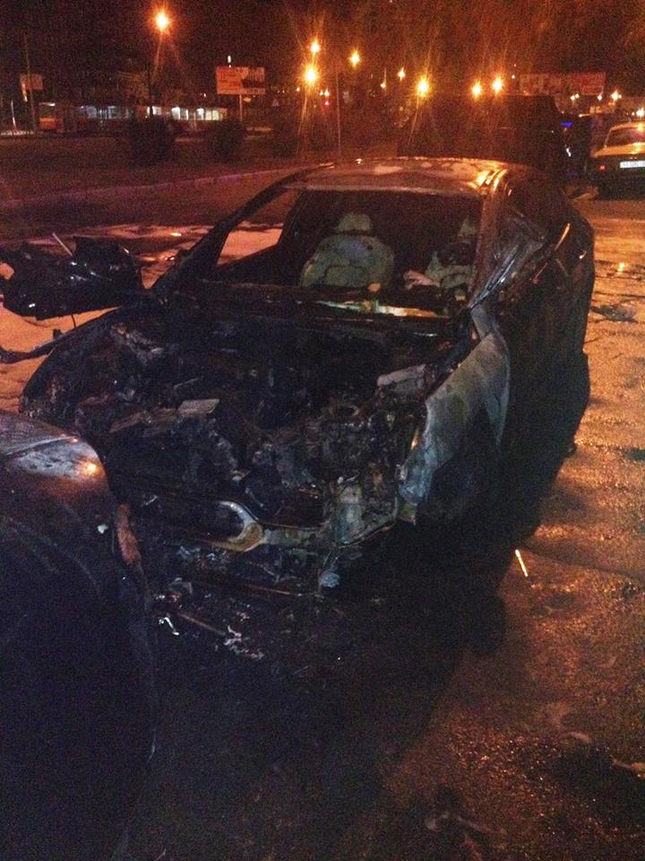 Синее пламя экзорцизма: за сутки в Киеве сгорело шесть автомобилей