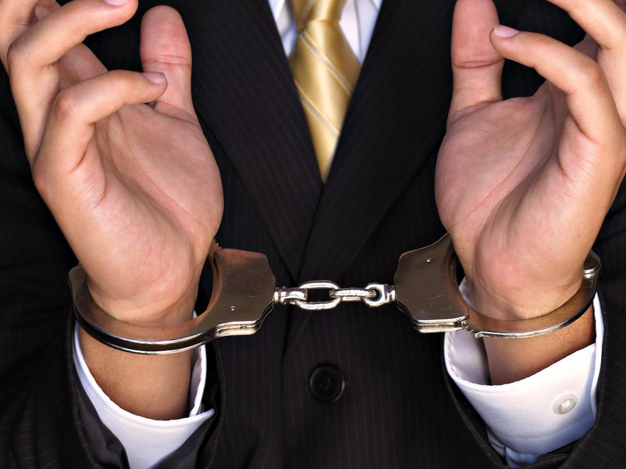 В Крыму трех полицейских подозревают во взятке в размере 1,6 млн. рублей