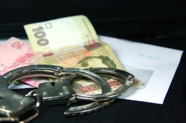 На взятке поймали полицейского