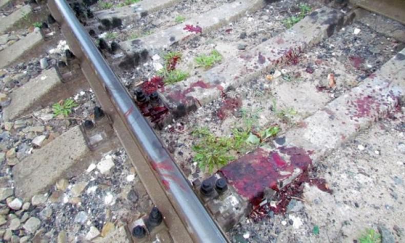 Жестокая смерть: поезд протянул тело школьника по рельсам, от чего мальчик умер