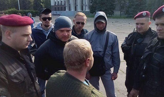 Ужасная стычка «Правого сектора» антимайдановцев и спецназа подняла на уши всю сеть