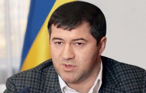 Глава фискальной службы не позволяет украинцам покупать дешевые автомобили