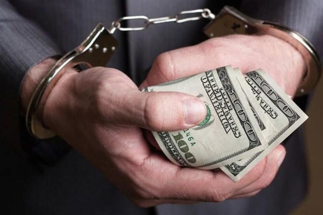 Столичная полиция на взятке задержала чиновника КГДА
