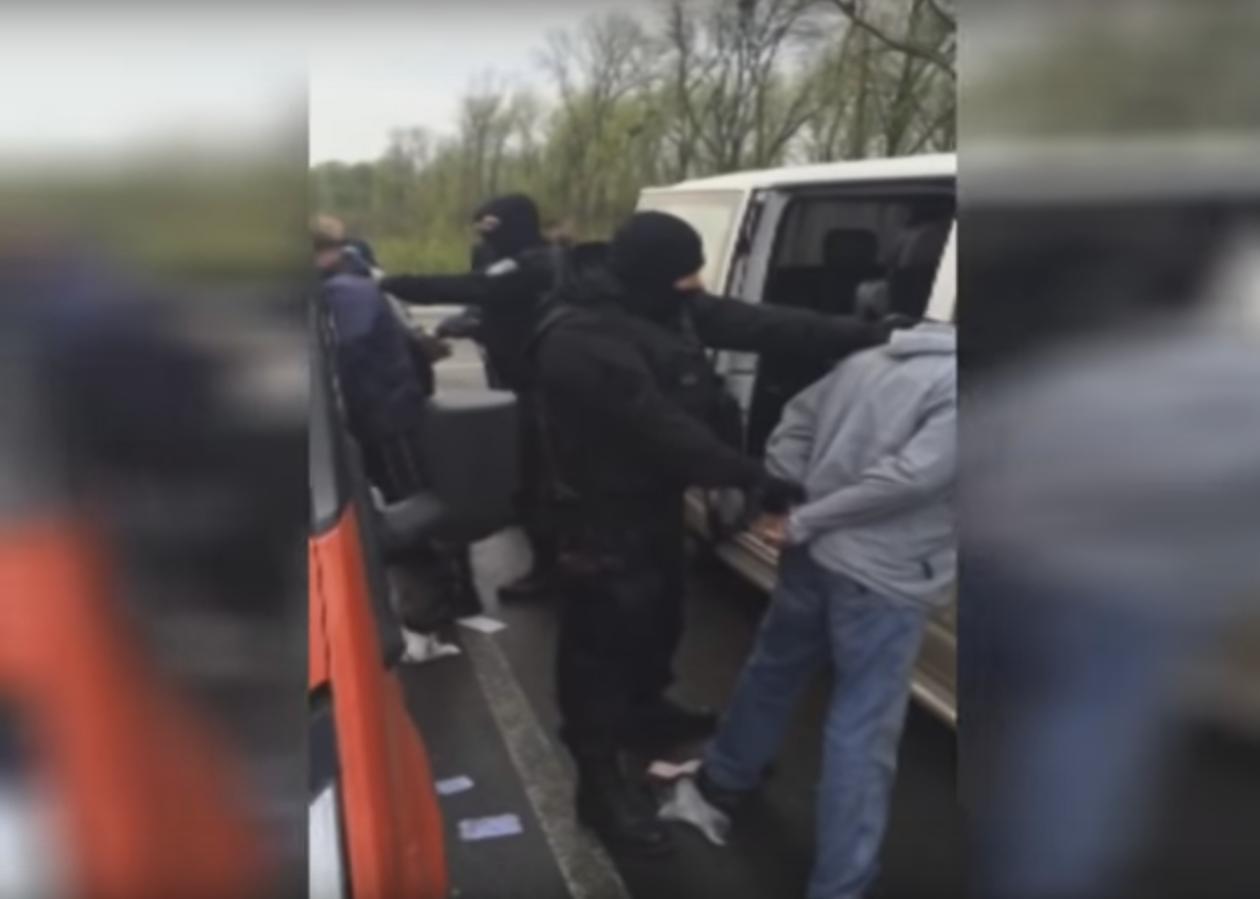 Равнодушие украинцев поражает: как бездомных заставляли работать до потери сознания