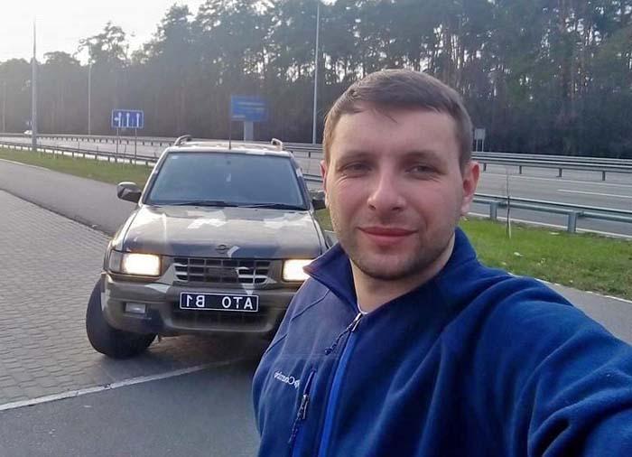 За два года Парасюк сменил уже три машины, стоимостью свыше миллиона гривен за каждую (ВИДЕО)