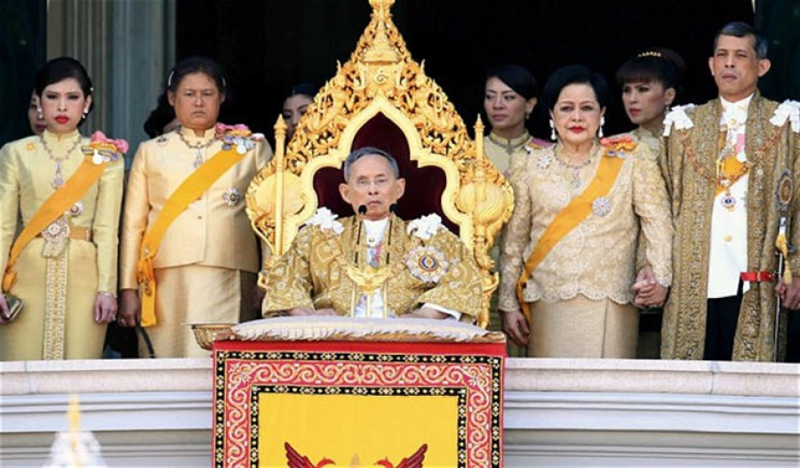 Почему король Таиланда присмерти? интригующие подробности